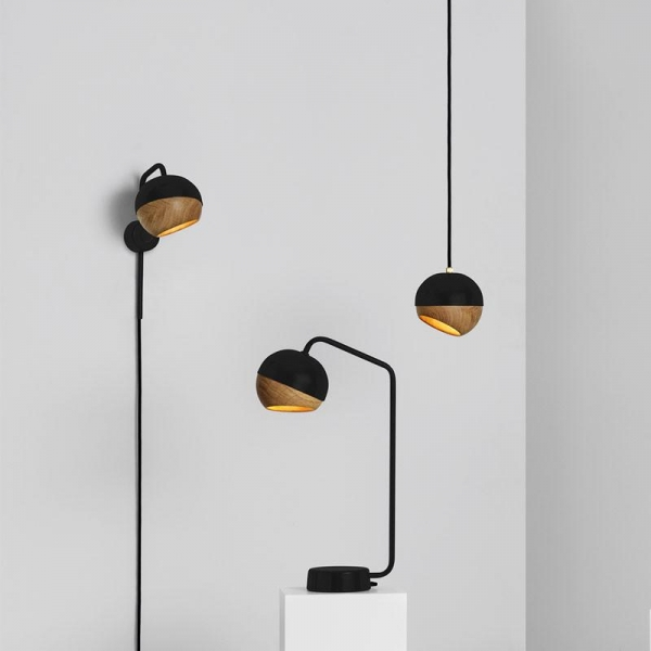Mater Ray Table Lamp | Black